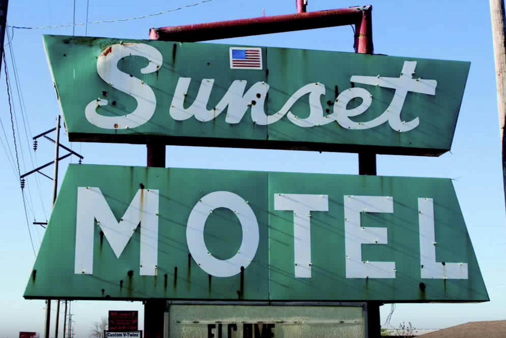 Sunset Motel sign